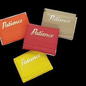 Mini-Patience in farbiger Schutzhülle, Nur 2,3 x 3,5 cm Kartengröße